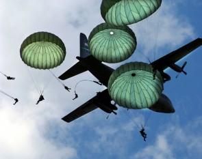 82nd_Airborne_Mass_Jump-JSOH2006